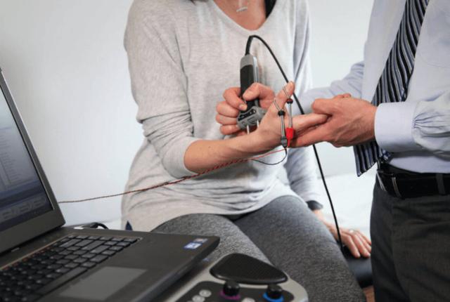 Синдром Туретта: клиническая картина, симптомы, лечение