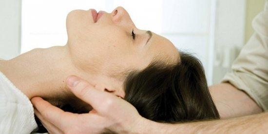 Симптомы и лечение грыжи шейного отдела позвоночника без операции