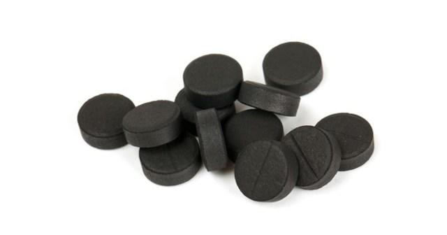 Активированный уголь от прыщей внутрь и в виде специальных масок