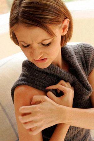 Контактный дерматит: виды, симптомы, медицинские и народные способы лечения