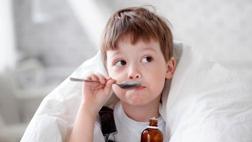 Как правильно выбрать и принимать отхаркивающие сиропы от кашля