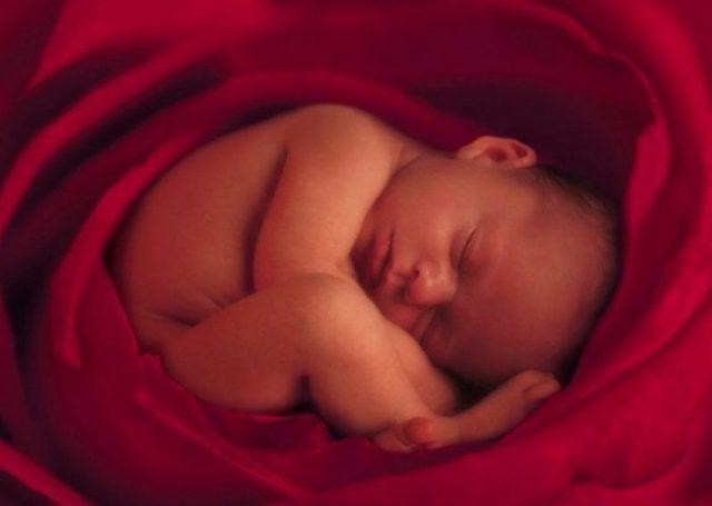 Причины и процесс икоты у плода во время беременности