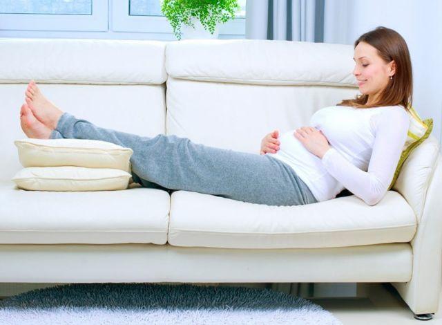 Почему тянет низ живота при беременности?