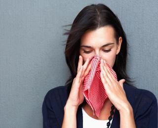 Как выражается аллергия у взрослых и детей, причины и симптомы болезни