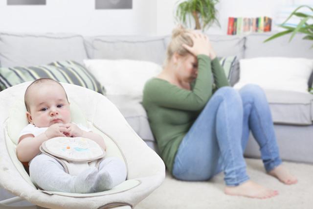 Послеродовая депрессия: признаки и лечение