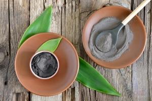 Как избавиться от черных точек в домашних условиях