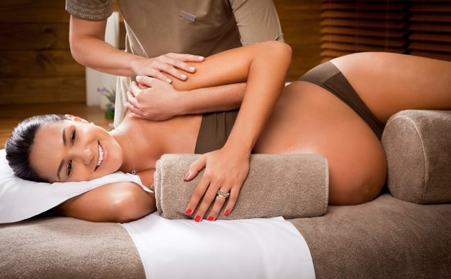 Показания и причины начать делать массаж груди женщинам во время беременности