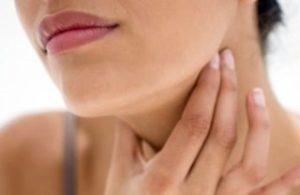 Симптомы отека горла и его лечение