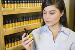 Эфирные масла от прыщей: выбор и применение