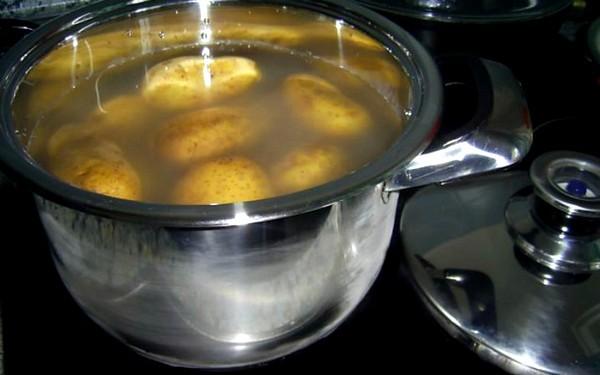 Паровые ингаляции с картошкой от кашля, особенности процедуры