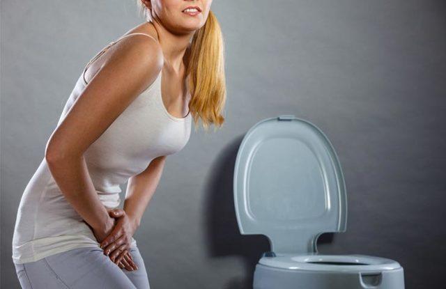 Почему болит живот при месячных