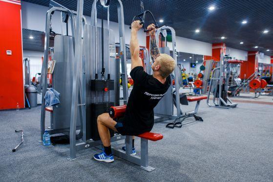 Какие упражнения и тренировки полезны для мышц спины