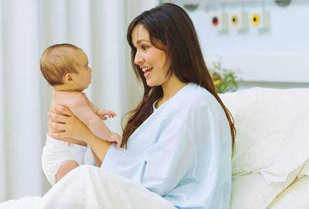 Когда начинаются месячные после родов