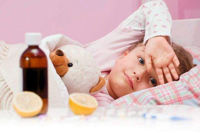 Свистящий кашель у ребенка, причины, медикаментозные и народные способы лечения